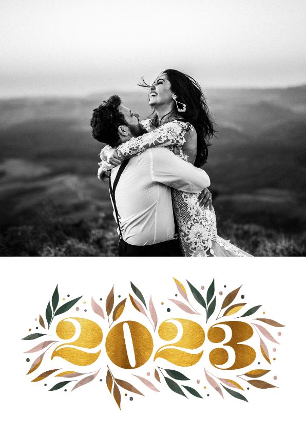 Nieuwjaarskaarten - Nieuwjaarskaart botanisch '2022' goud met foto