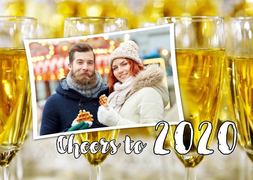 Nieuwjaarskaarten - Nieuwjaarskaart Cheers to 2020 champagne foto