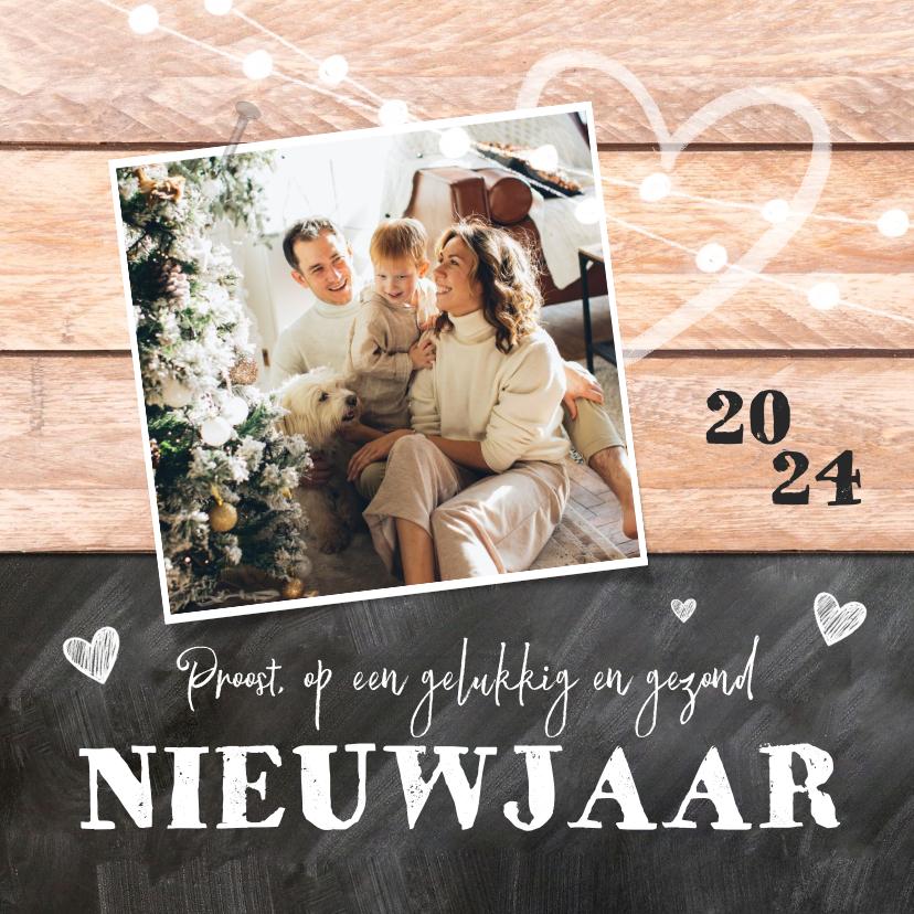 Nieuwjaarskaarten - Nieuwjaarskaart hout krijtbord hartjes lampjes foto