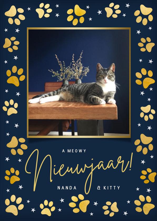 Nieuwjaarskaarten - Nieuwjaarskaart met gouden pootafdrukjes en foto kat of hond