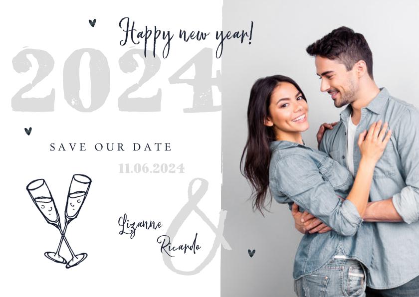 Nieuwjaarskaarten - Nieuwjaarskaart zilver doodle champagne foto save the date