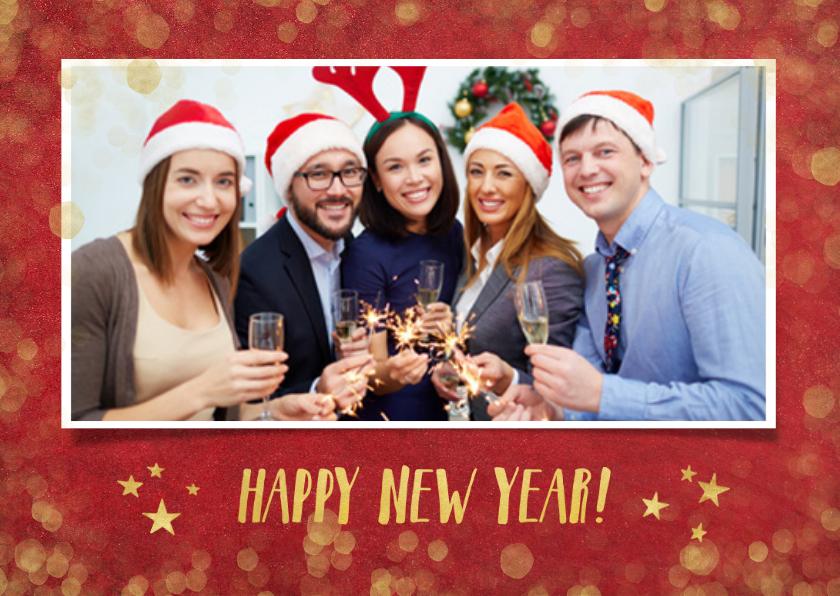 Nieuwjaarskaarten - Zakelijke nieuwjaarskaart rood met goudlook confetti