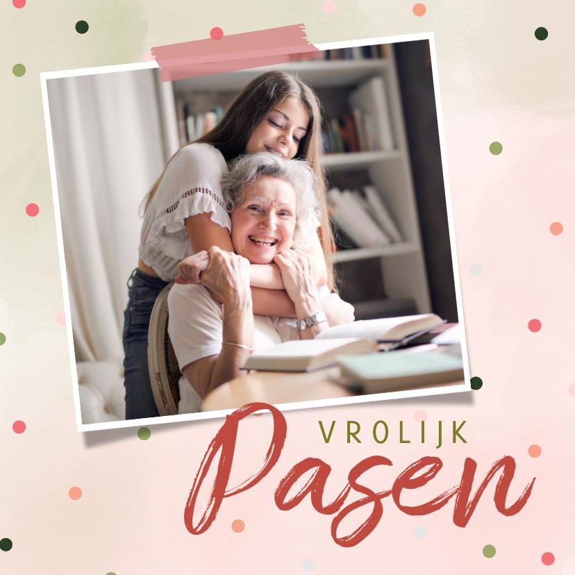 Paaskaarten - Paaskaart met roze en groene waterverf en vrolijke confetti