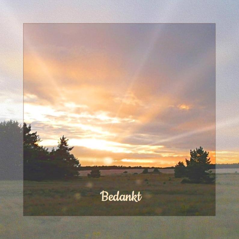 Rouwkaarten - Bedankkaart met ondergaande zon en zonnestralen in natuur