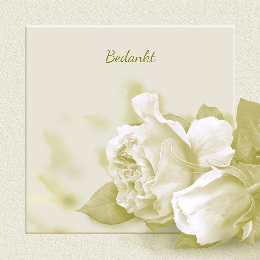 Rouwkaarten - Mooie bedankkaart met witte rozen op zachte achtergrond