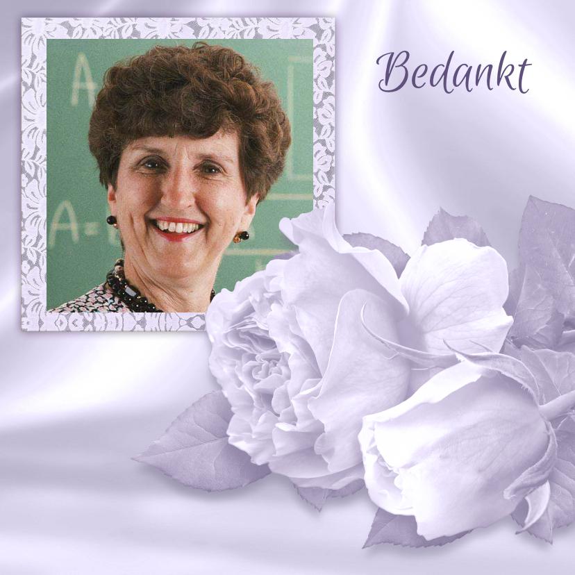 Rouwkaarten - Mooie rouw- of bedankkaart met rozen en foto op satijnprint