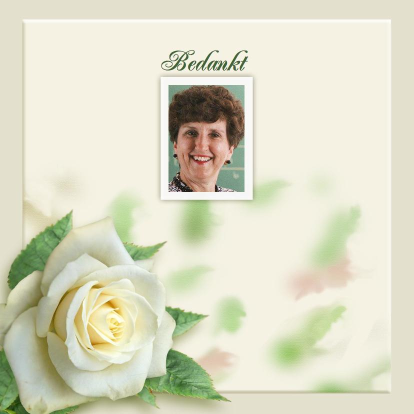 Rouwkaarten - Mooie rouwkaart met roos en tekstvoorstel aan binnenzijde