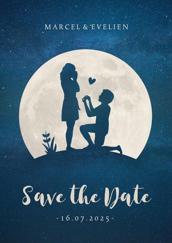 Trouwkaarten - Save the Date kaart met silhouet van aanzoek in volle maan