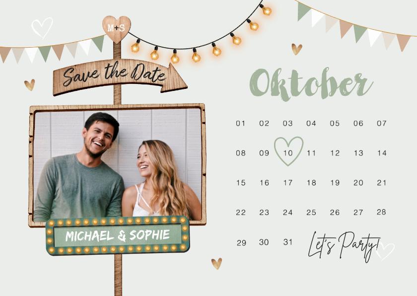 Trouwkaarten - Save the date trouwkaart kalender houtlookwegwijzers