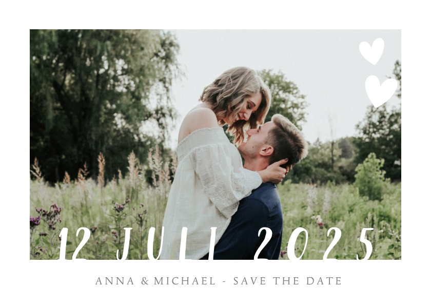 Trouwkaarten - Stijlvolle witte  trouwkaart met grote eigen foto en datum