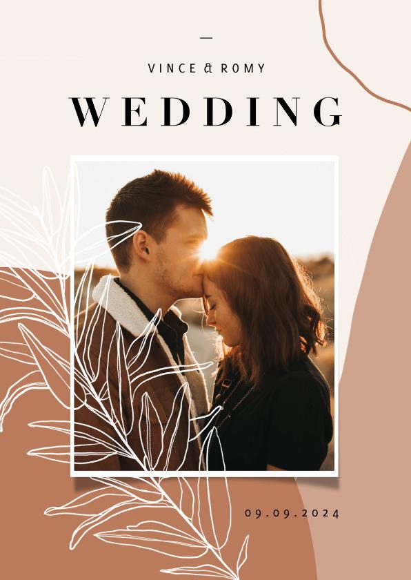 Trouwkaarten - Trendy trouwkaart abstracte vormen aardetint en foto