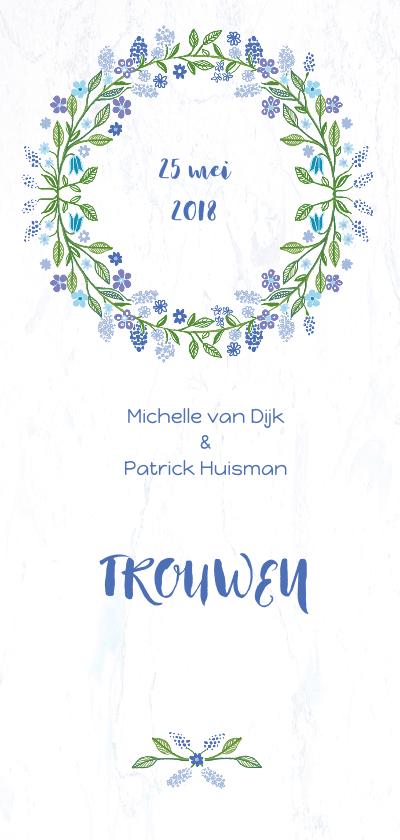 Trouwkaarten - Trouwkaart met blauwe bloemenkrans