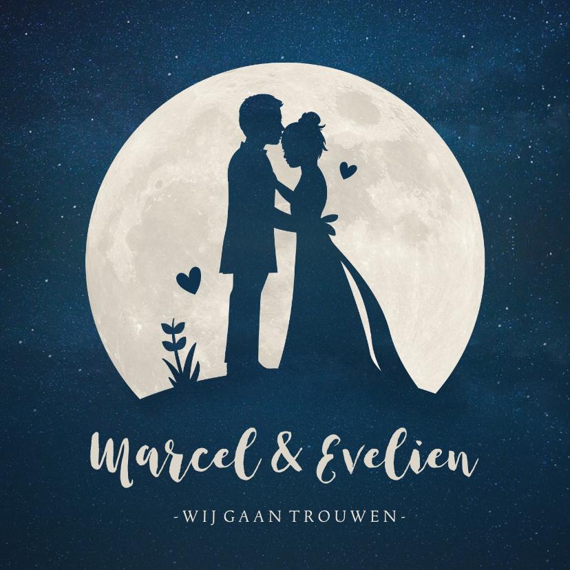Trouwkaarten - Trouwkaart met  silhouet van een bruidspaar in volle maan