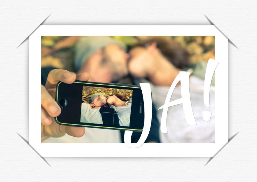 Trouwkaarten - Trouwkaart selfie wit b RB