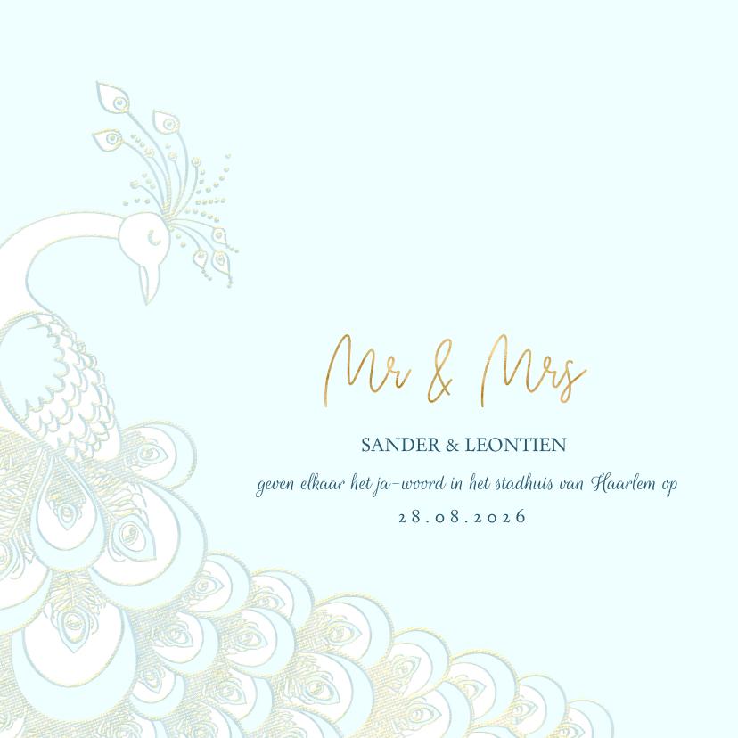 Trouwkaarten - Trouwkaart sierlijke pauw wit/goud op blauw