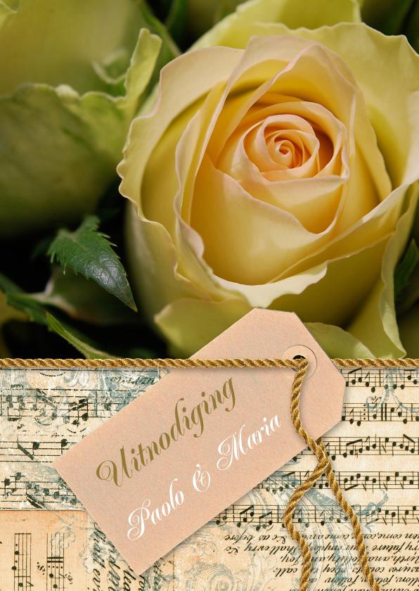 Uitnodigingen - Gele roos noten label goud tekst
