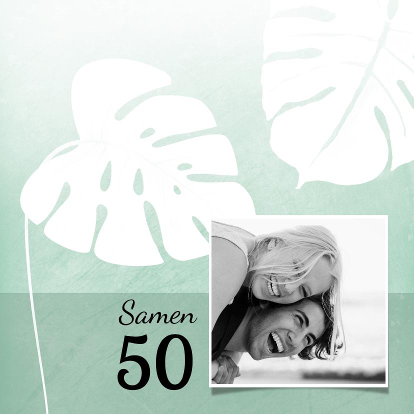 Uitnodigingen - Hippe uitnodiging met foto en tropische bladeren