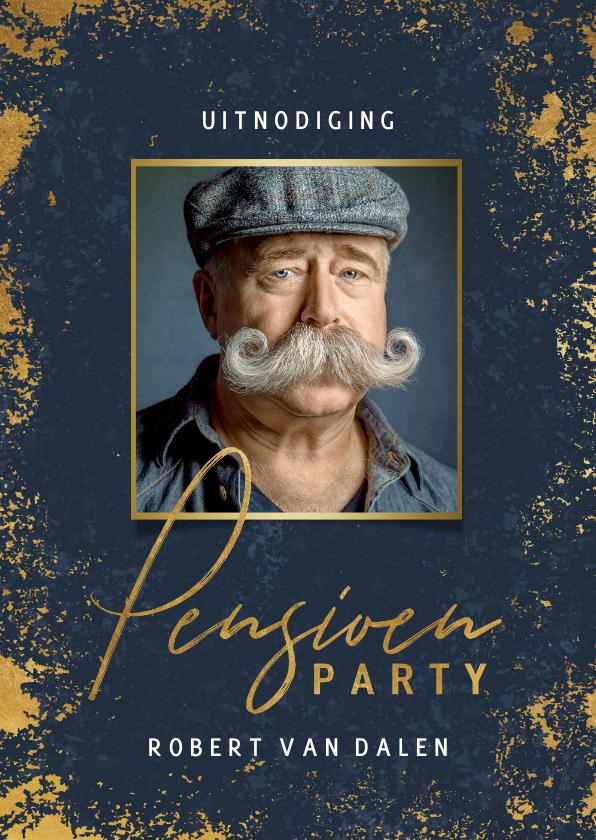 Uitnodigingen - Stijlvolle uitnodiging pensioen feest gouden kader en foto