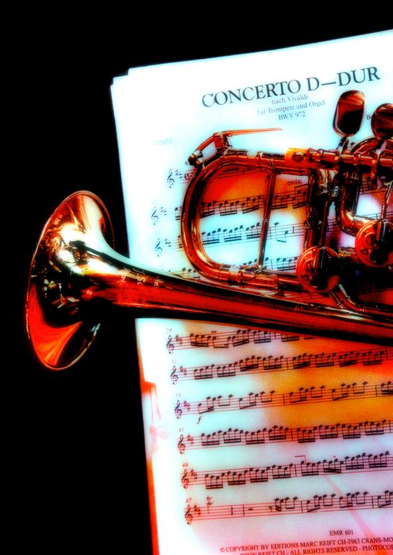 Uitnodigingen - trompet op bladmuziek