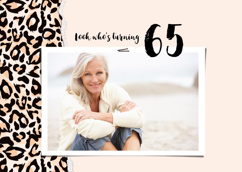 Uitnodigingen - Uitnodiging look who's turning 65 panterprint