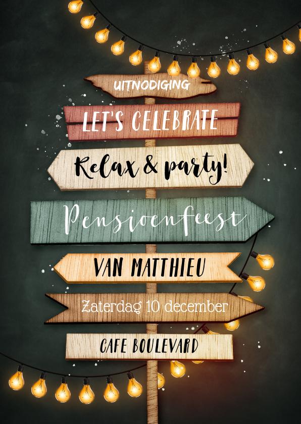 Uitnodigingen - Uitnodiging pensioenfeest wegwijzers en slingers krijtbord