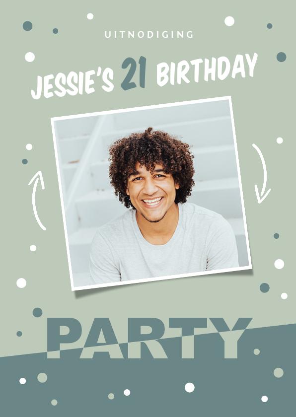 Uitnodigingen - Uitnodiging verjaardag grafisch hip en modern met confetti