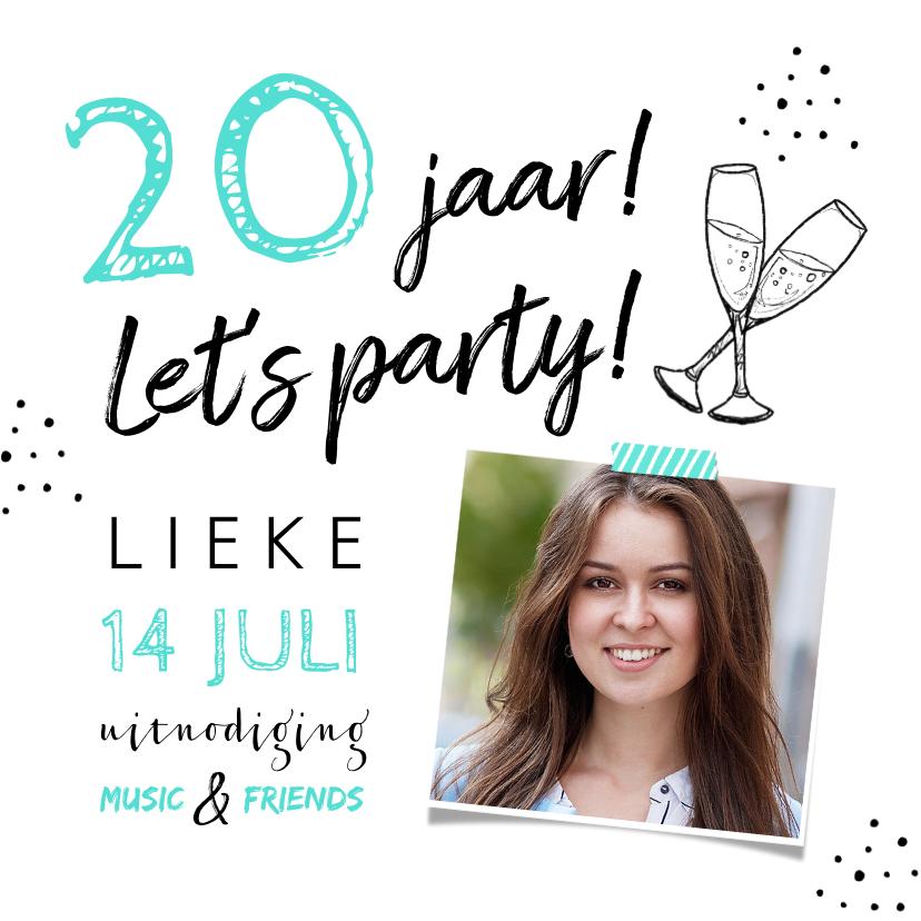 Uitnodigingen - Uitnodiging verjaardag hip met eigen foto en champagneglazen