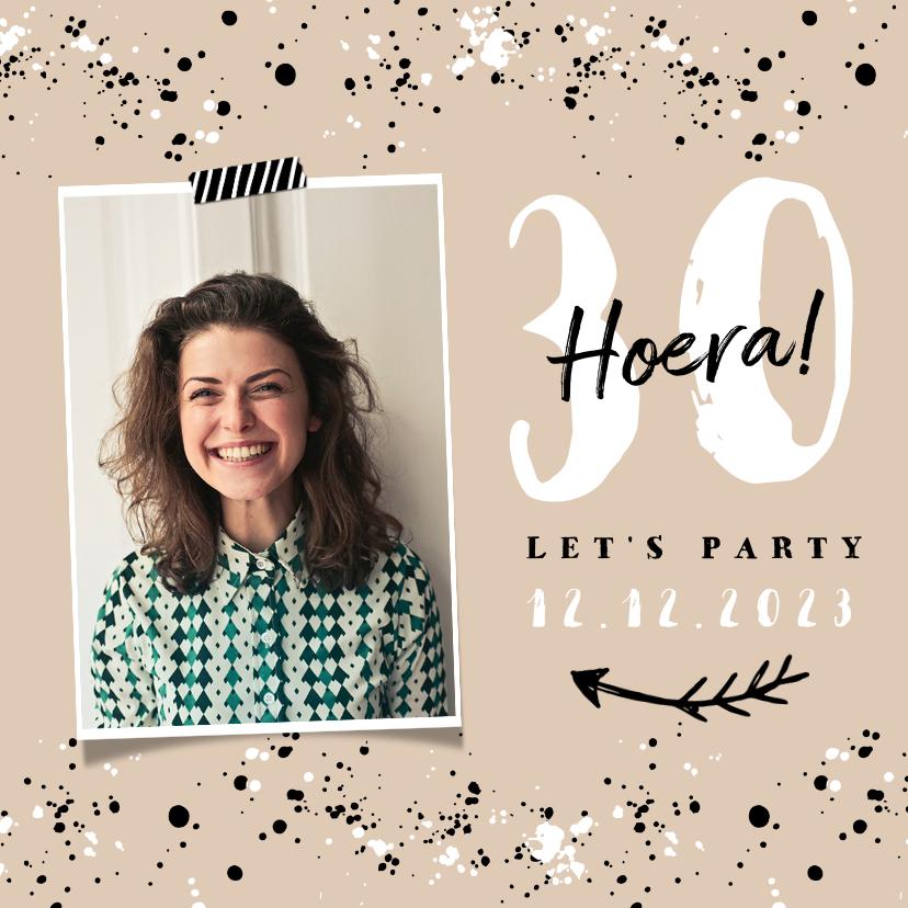 Uitnodigingen - Uitnodiging verjaardag vrouw hip met spetters en eigen foto