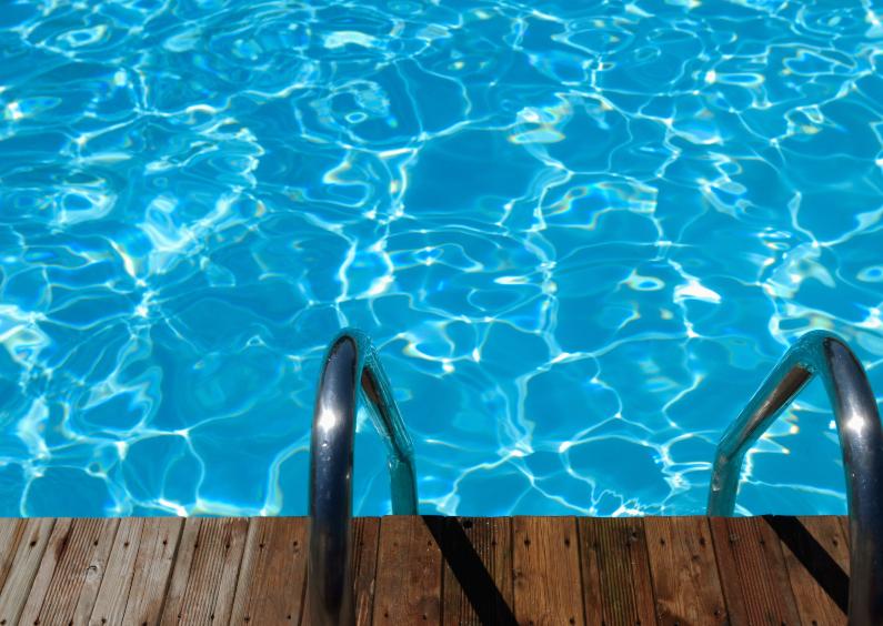 Vakantiekaarten - Aan de rand van het zwembad