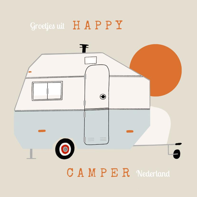 Vakantiekaarten - Vakantiekaart happy camper caravan illustratie zon groetjes