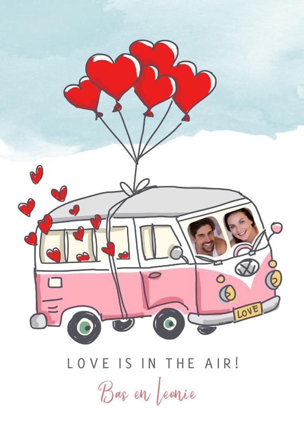 Valentijnskaarten - Valentijnskaart met vw busje zwevend aan balonnen