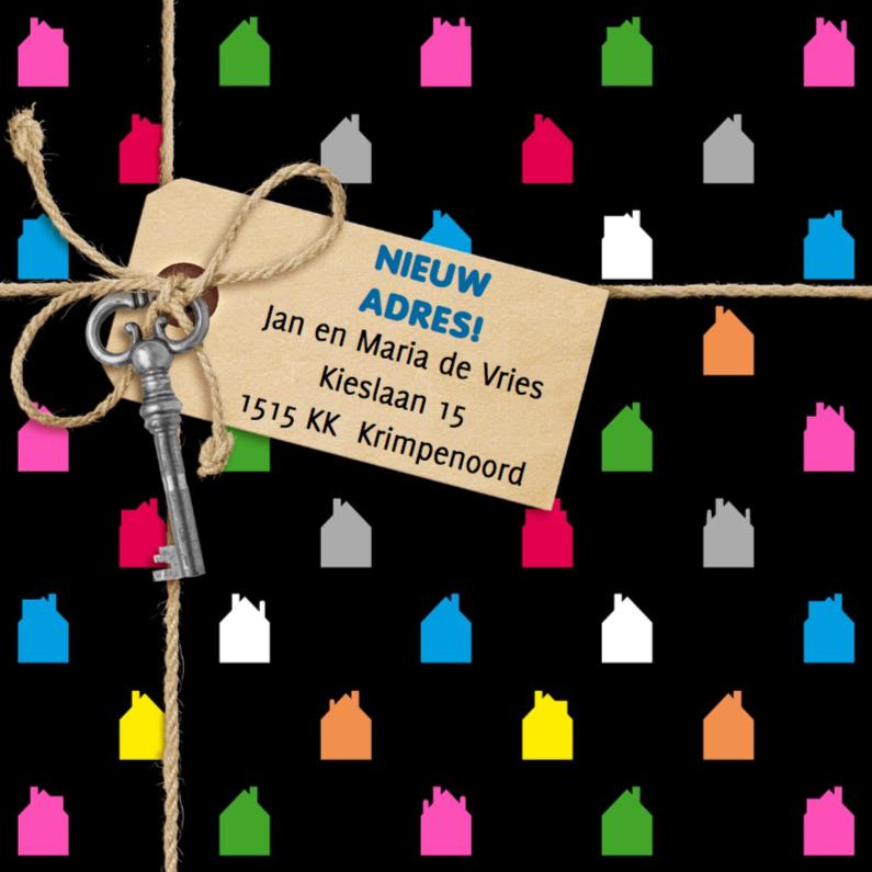 Verhuiskaarten - Gekleurde huisjes label op zwart
