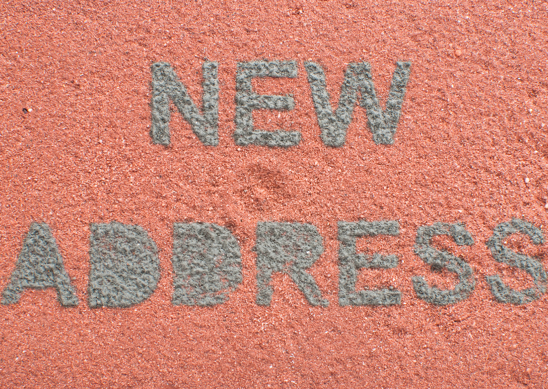 Verhuiskaarten - NEW ADDRESS op rode baksteen