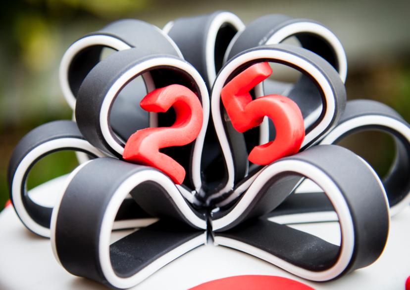 Verjaardagskaarten - 25 jaar strik