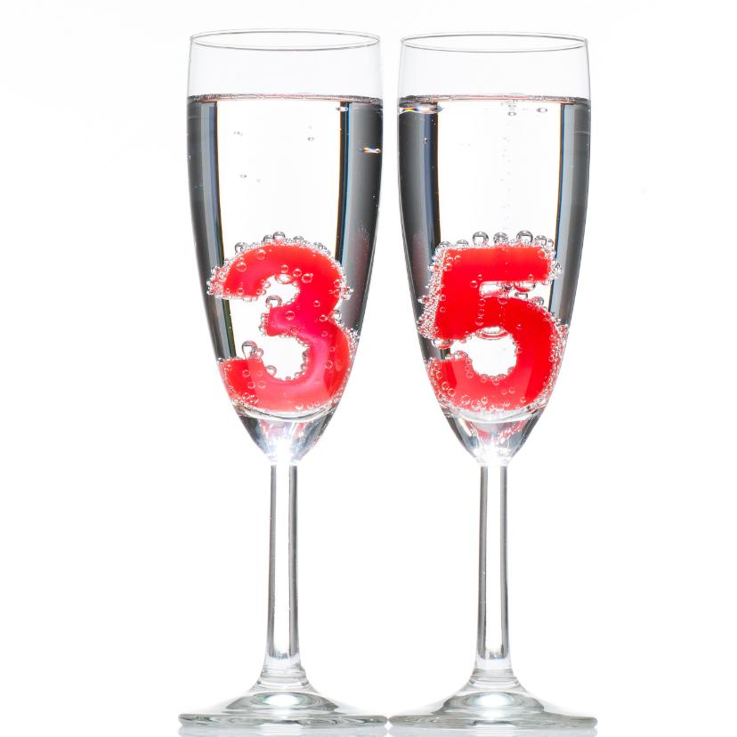 Verjaardagskaarten - 35 in champagne glazen