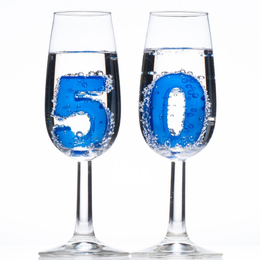 Verjaardagskaarten - 50 in champagne glazen