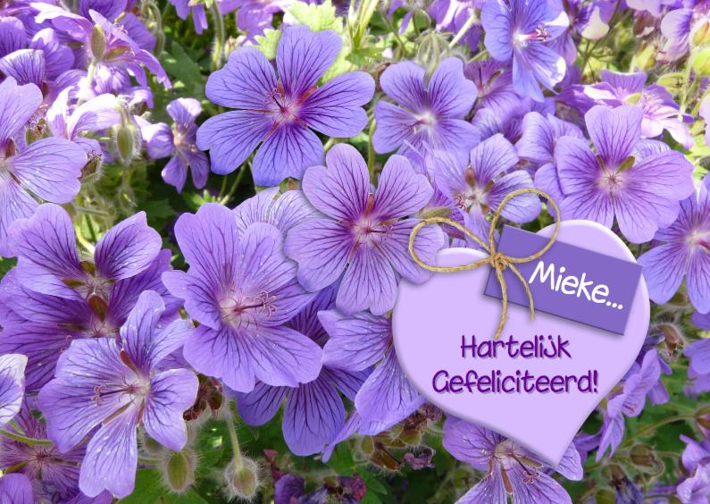 Verjaardagskaarten - Mooie bloemenkaart blauwe bloemen met hart en kaartje