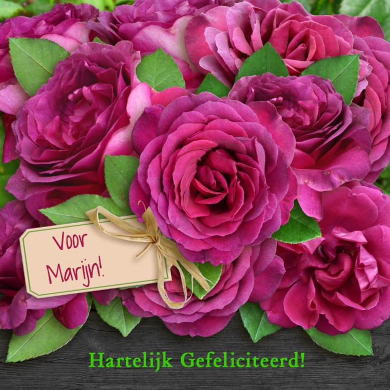 Verjaardagskaarten - Stoere verjaardagskaart met rode rozen op zwart hout