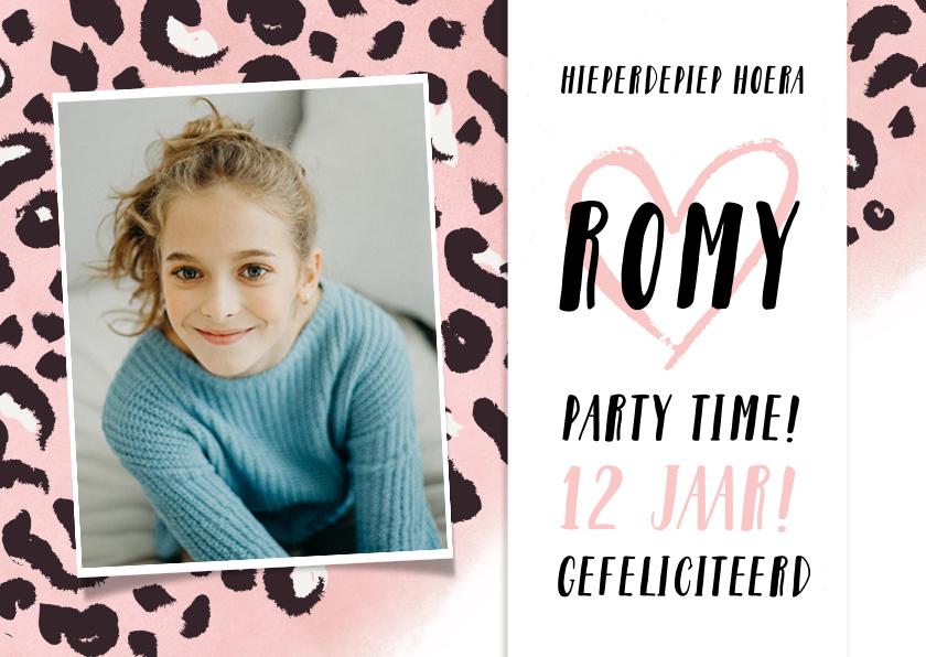 Verjaardagskaarten - Trendy meisjes verjaardagskaart met een roze luipaardprint