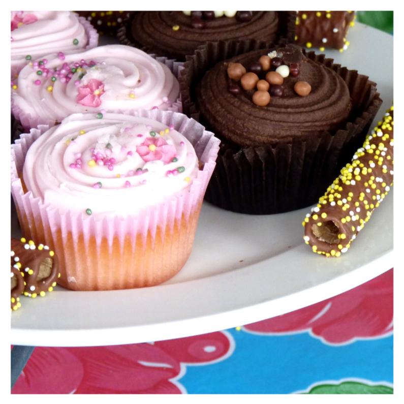 Verjaardagskaarten - Verjaardagskaart cupcakes 2