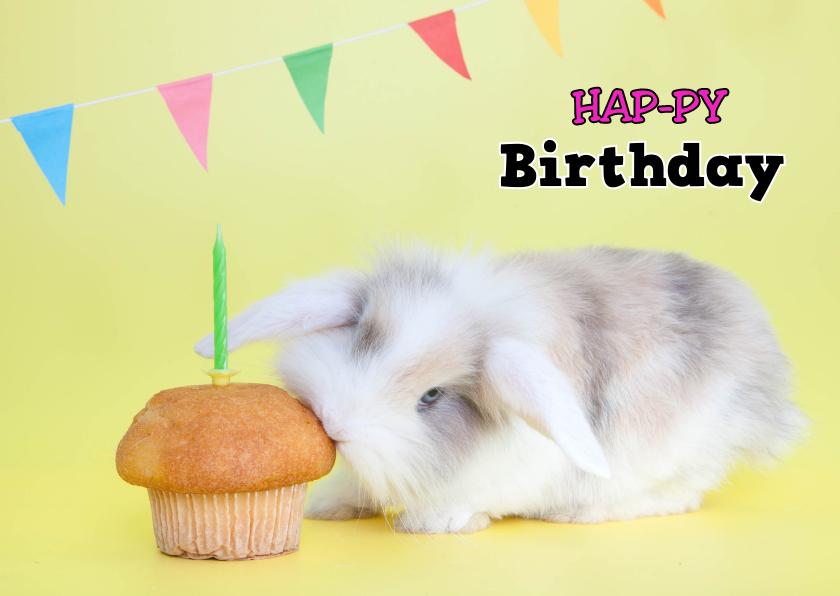 Verjaardagskaarten - Verjaardagskaart - Hap-py Birthday - Konijntje hapt cupcake