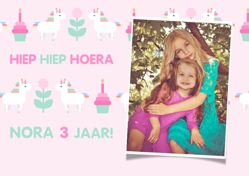 Verjaardagskaarten - Verjaardagskaart met feestende unicorns en foto