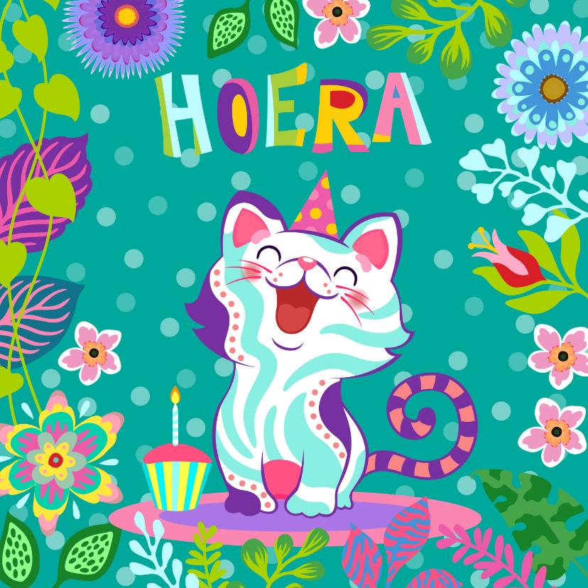 Verjaardagskaarten - Verjaardagskaart met vrolijke kat, cupcake en bloemen