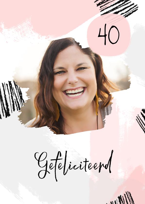 Verjaardagskaarten - Verjaardagskaart verfstrepen hip met foto vrouw