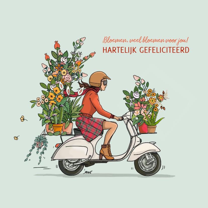 Verjaardagskaarten - Verjaardagskaart Vespa met bloemen vrouw
