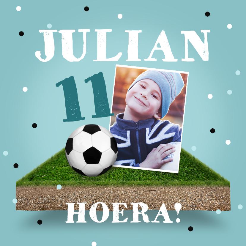 Verjaardagskaarten - Verjaardagskaart voetbal stoer jongen confetti bal