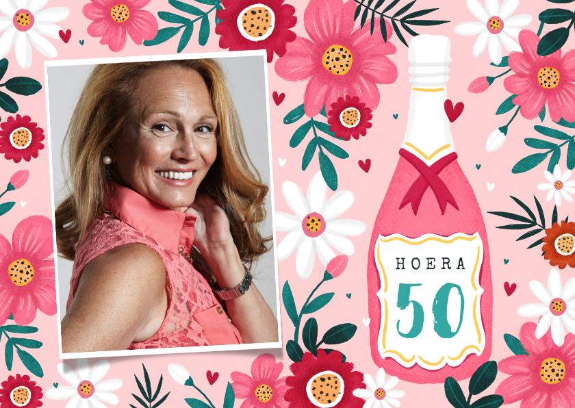 Verjaardagskaarten - Verjaardagskaart vrouw 50 jaar bloemen champagne wijn