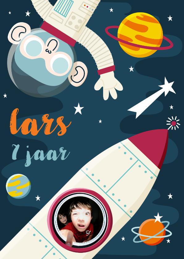 Verjaardagskaarten - Verjaardagskaartje ruimte met aap, raket en planeten
