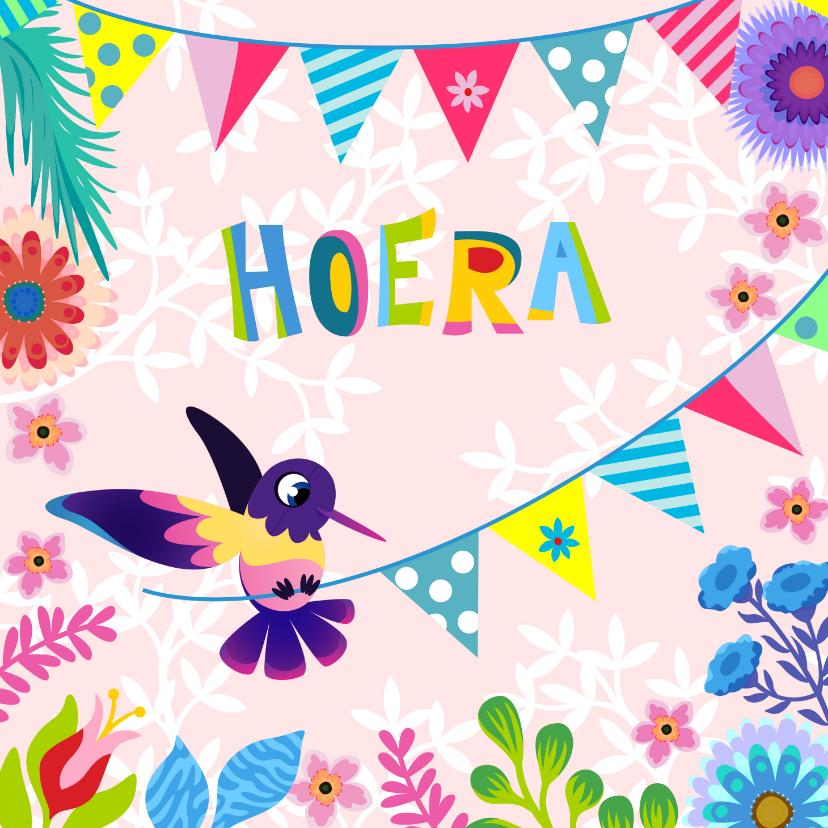 Verjaardagskaarten - Vrolijke gezellige en kleurrijke kaart met vogel en slingers