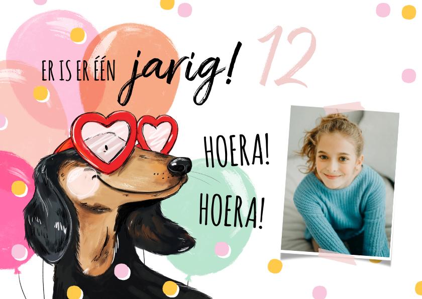 Verjaardagskaarten - Vrolijke verjaardagskaart met hond, ballonnen en confetti